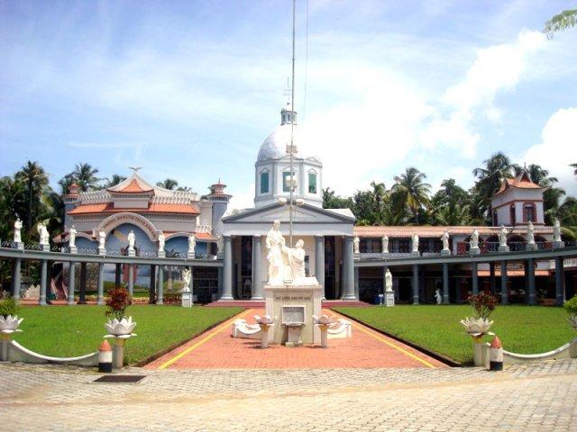 Kodungallur Azhikode Mar Thoma (St. Thomas) Church: The Birth Place of Indian Christianity